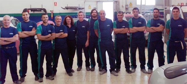 El equipo del EuroTaller A. Nietoauto